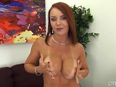 Grosse tette e bella del Janet massone in solitaria